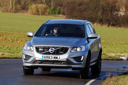 volvo_xc60_d4_front_action.jpg