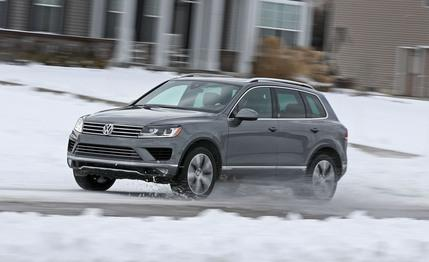 2017-volkswagen-touareg-review-car-and-driver-photo-675151-s-429x262